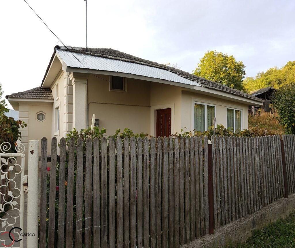 Fatada casa rezidentiala cu profile decorative personalizate CoArtCo