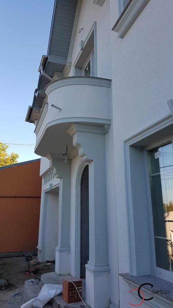 Coloane decorative patrate pentru intrare casa