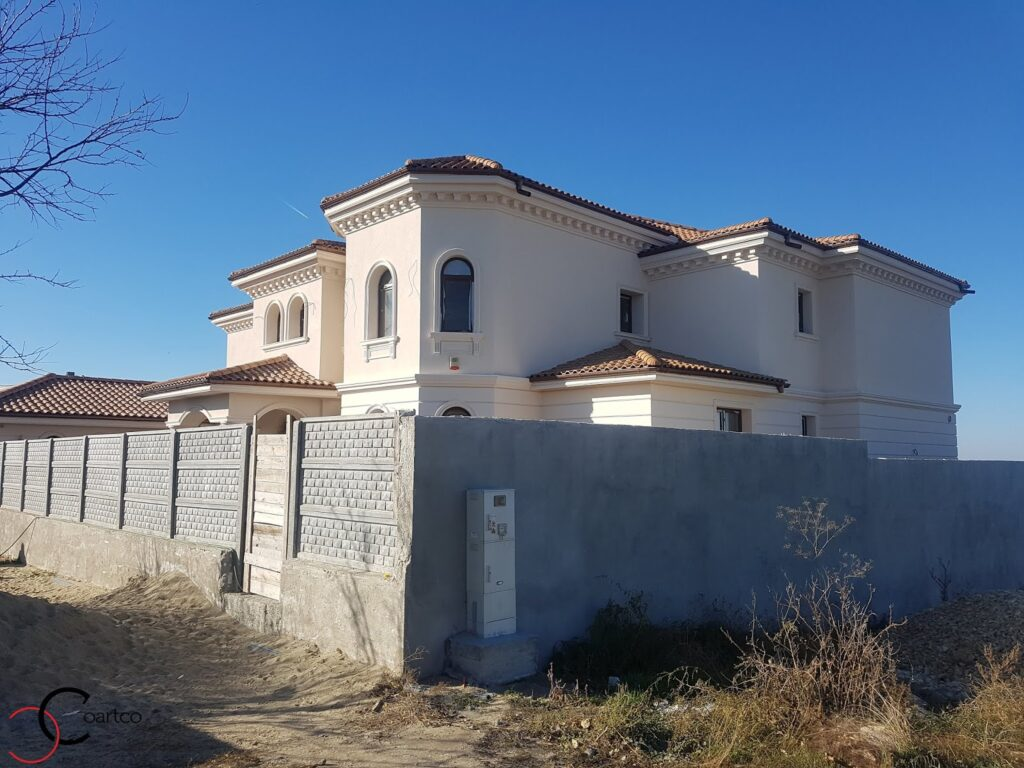 Fatada casa cu profile decorative personalizate CoArtCo