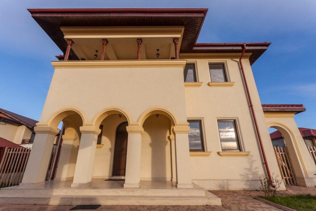 Fatada casa stil neoromanesc arhitect Adrian Paun