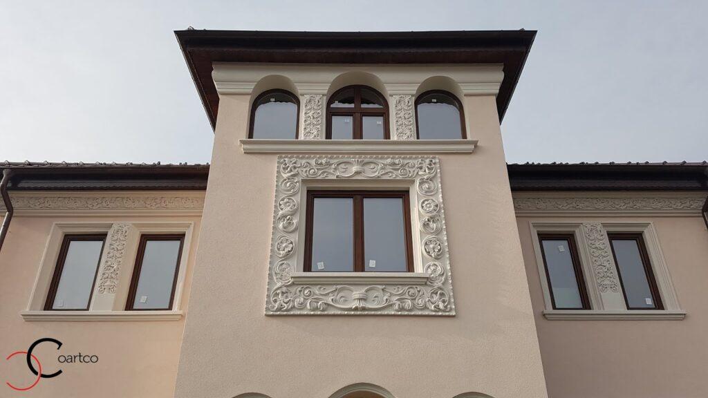 Ancadrament fereastra cu motive florale CoArtCo