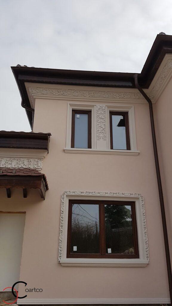 Ancadramente ferestre si cornisa decorativa din polistiren CoArtCo