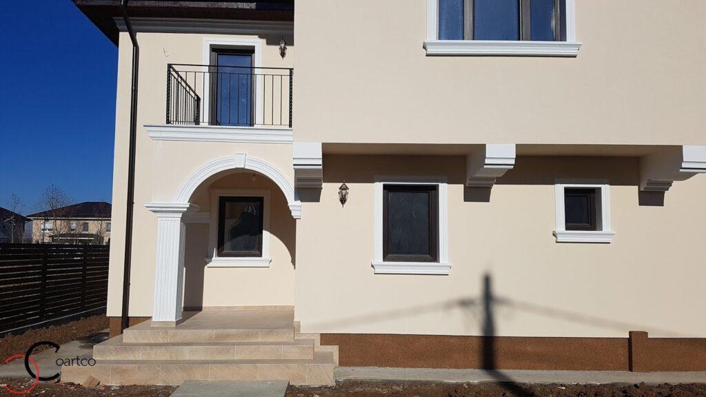 Profile decorative din polistiren CoArtCo pentru ferestre si fatada casei