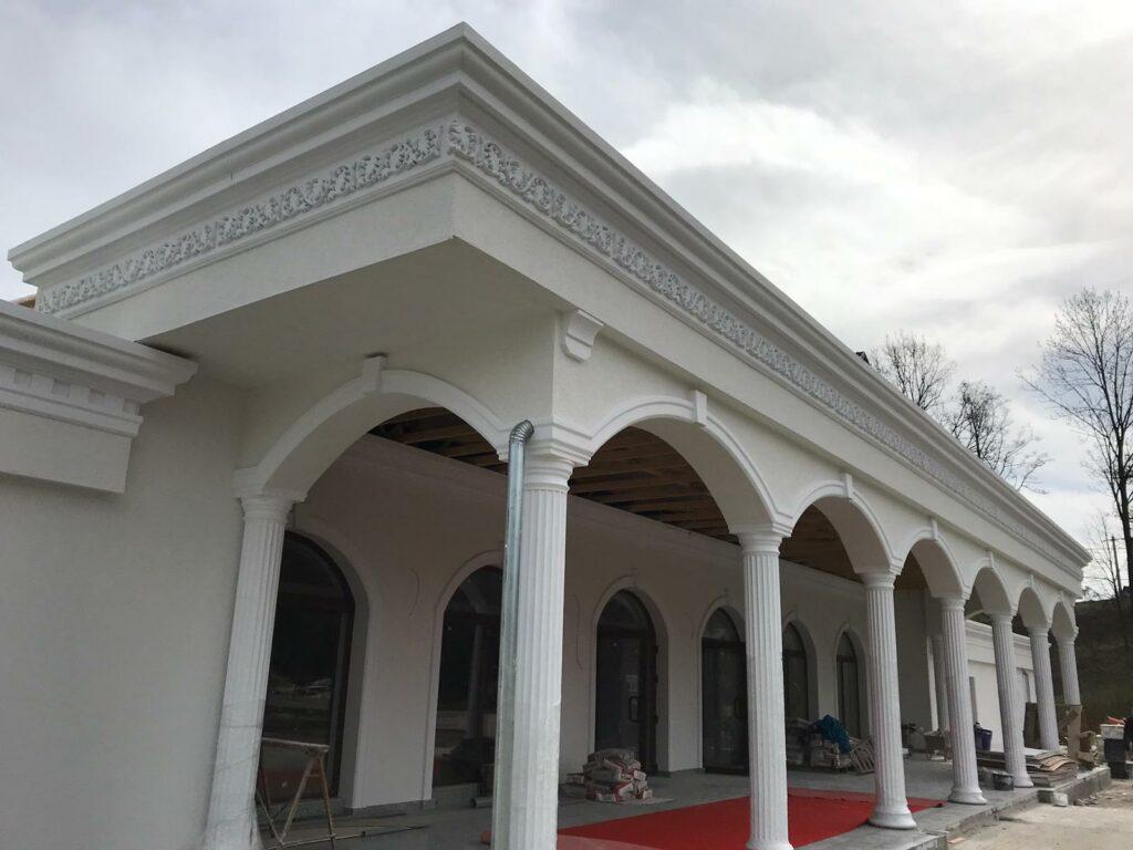 Coloane cu arcade din polistiren CoArtCo pentru salon de evenimente