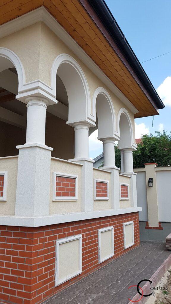 Elemente arhitecturale din polistiren CoArtCo pentru fatada casei
