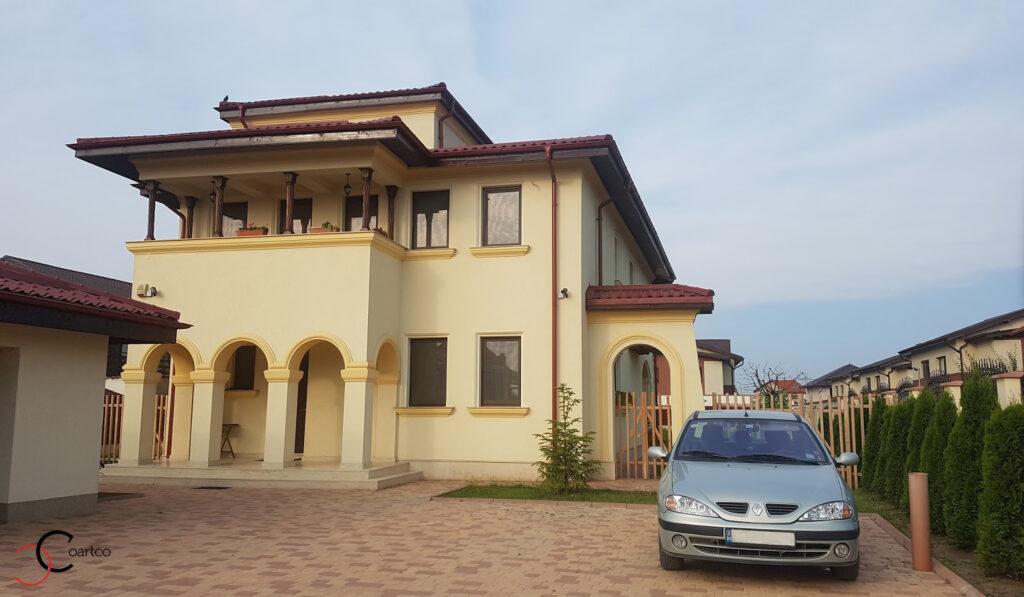 Fatada casa cu profile decorative din polistiren CoArtCo in stil mediteranean
