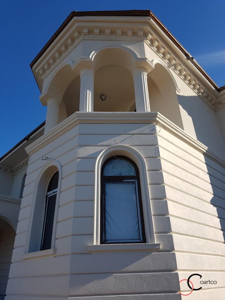 Coloane bovindou cu arcada si cornisa decorativa din polistiren CoArtCo