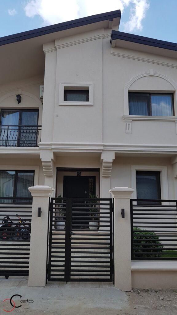 Intrare casa cu profile decorative din polistiren CoArtCo