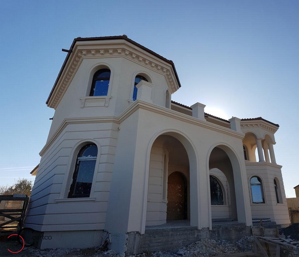 Proiect fatada casa cu profile decorative din polistiren CoArtCo in stil mediteranean