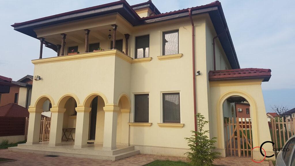 Amenajare fatada casa in stil mediteranean cu profile decorative din polistiren CoArtCo