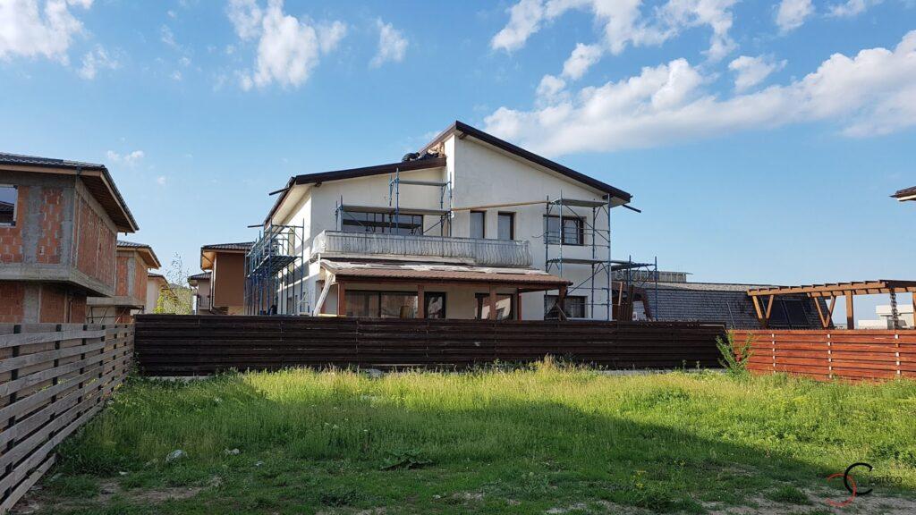Manopera montaj profile decorative CoArtCo pe fatada casei