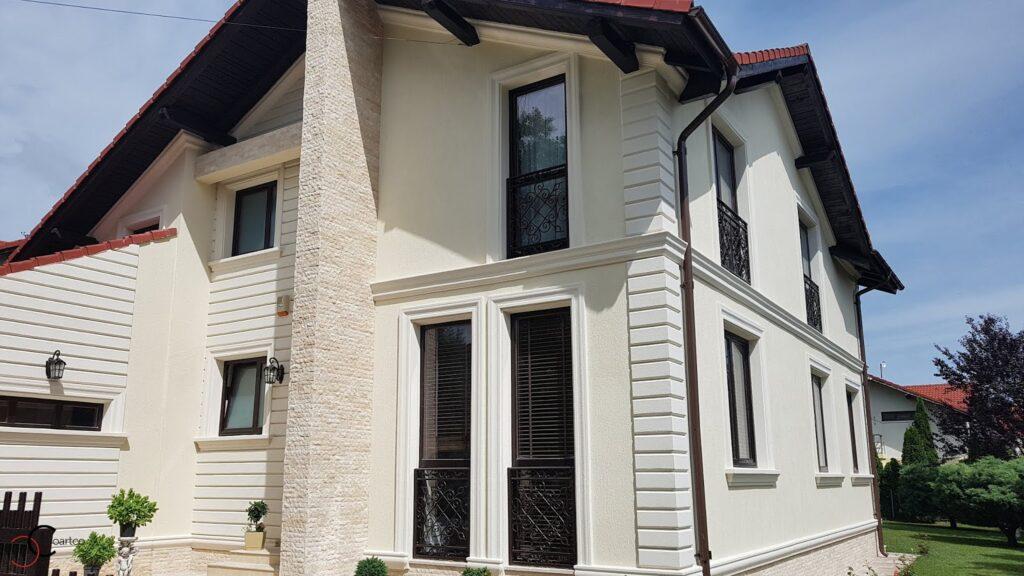 Profile personalizate din polistiren CoArtCo pentru fatada casei