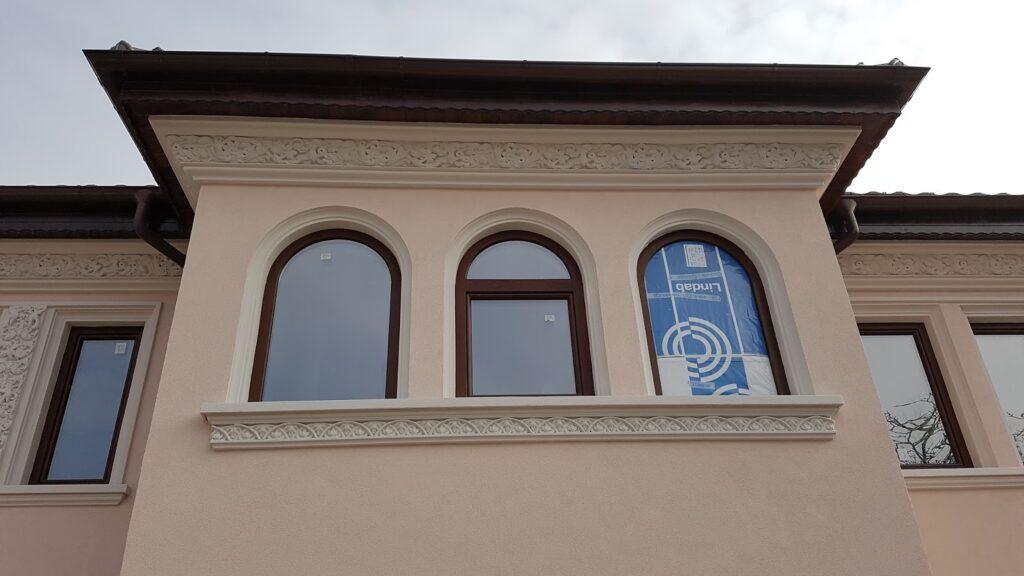 Ancadramente cu arcada pentru ferestre din polistiren CoArtCo