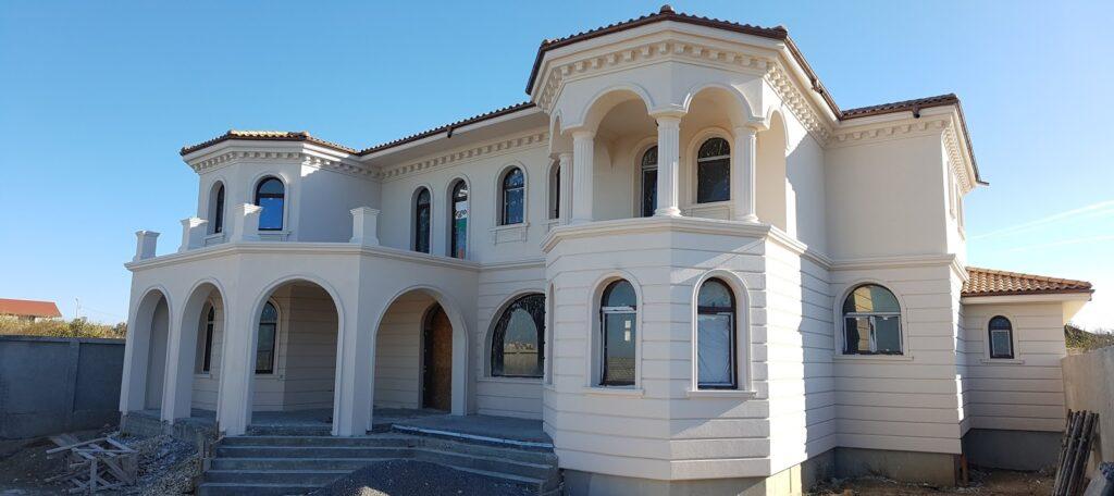 Culori fatade case exterior - Proiect fatada casa rezidentiala cu profile decorative CoArtCo Palazu Mare
