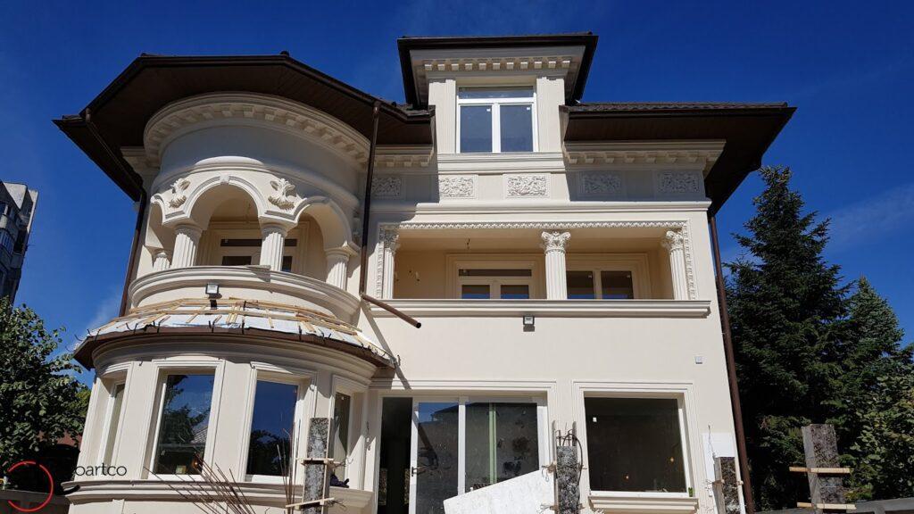 Fatada casa cu profile personalizate din polistiren CoArtCo