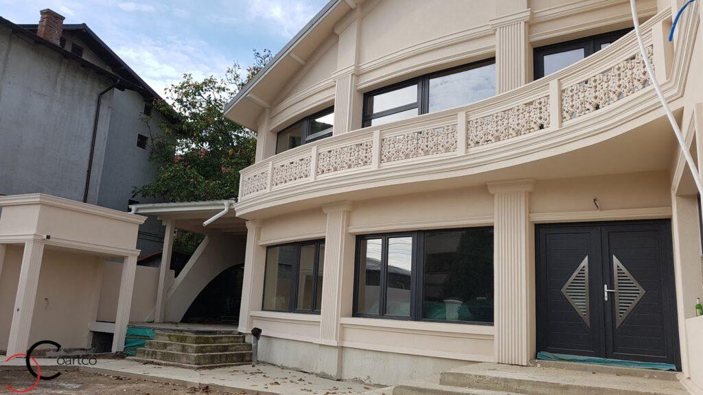 Mana curenta balcon curbata cu profile decorative din polistiren CoArtCo