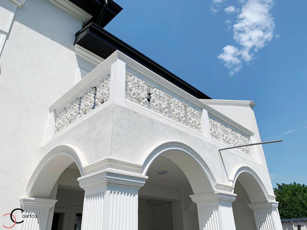 Arcade, coloane si profile decorative personalizate CoArtCo pentru balcon