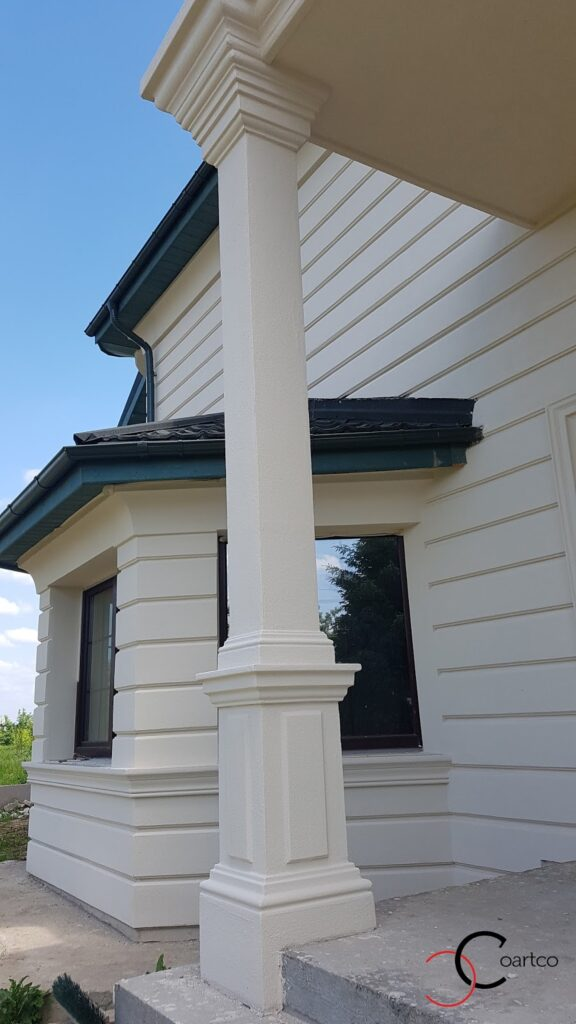 Detalii arhitecturale coloane bosaj panouri decorative