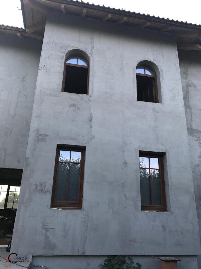 Fatada casa inainte de montaj profile decorative CoArtCo