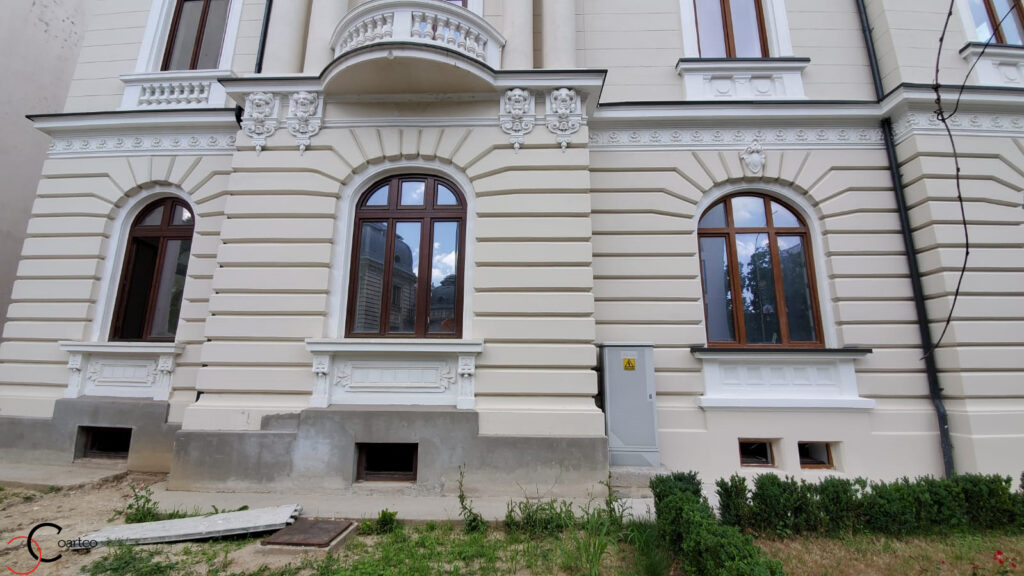 Renovare fatada casa cu profile decorative CoArtCo