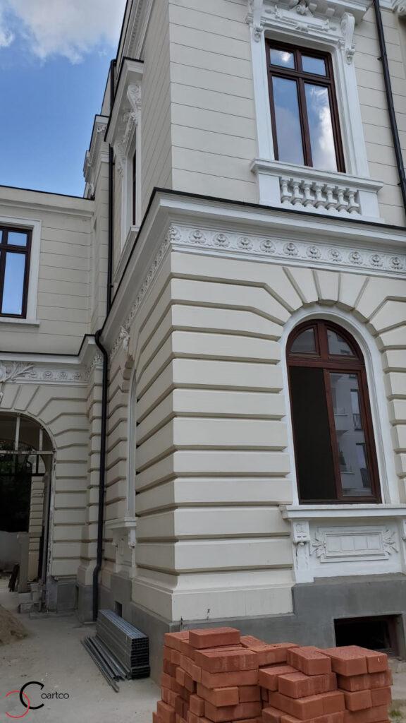 Elemente arhitecturale refacute cu profile decorative CoArtCo