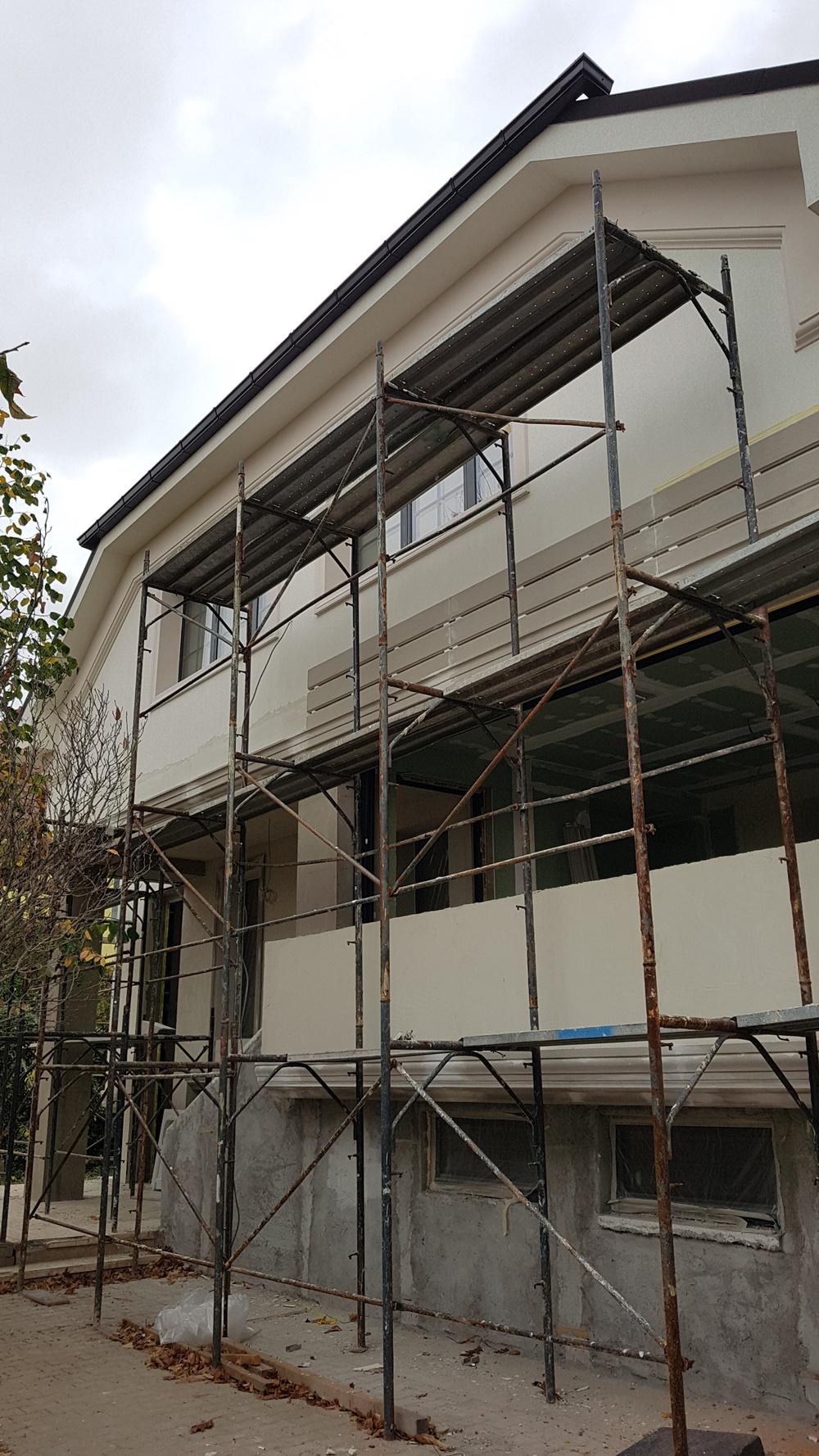 finisare fatade case cu firma de constructie profesionista