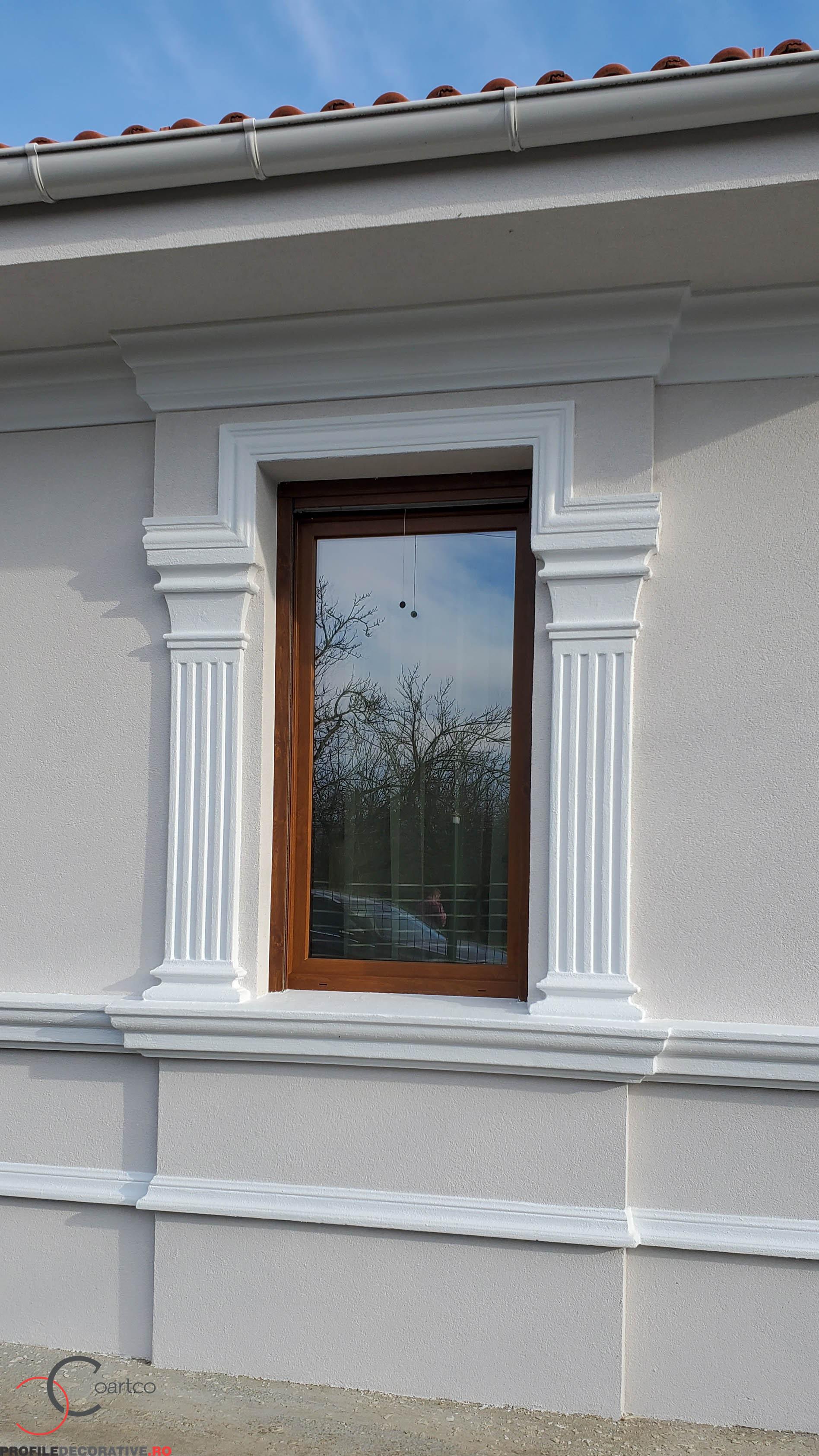 casa cu ancadramente fereastra