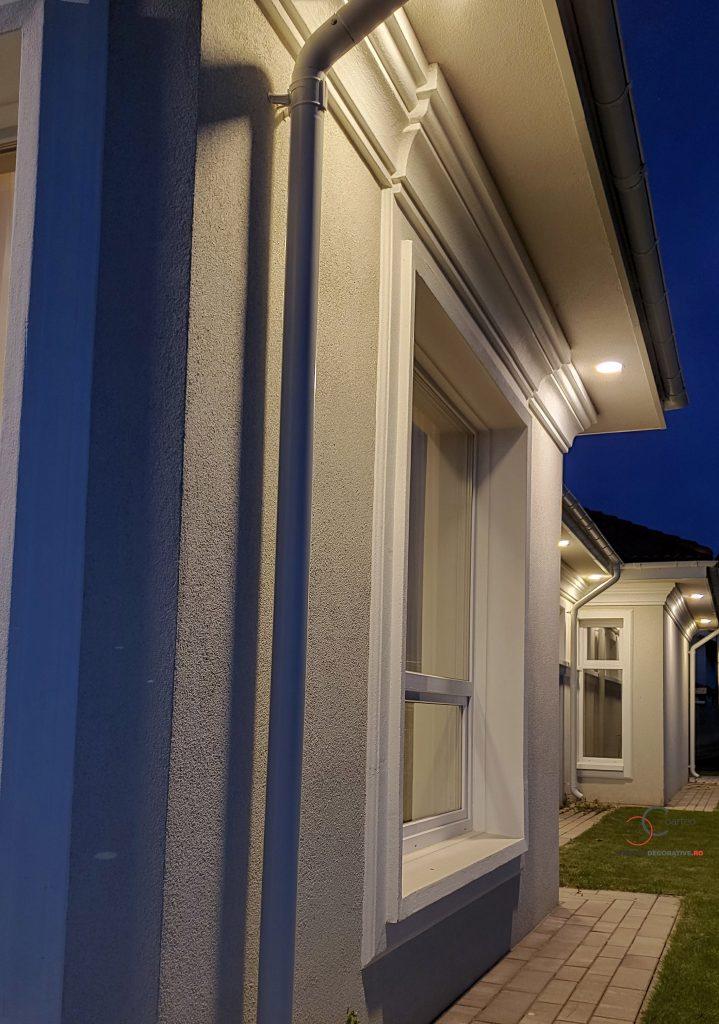 arhitect iluminat fatada casa