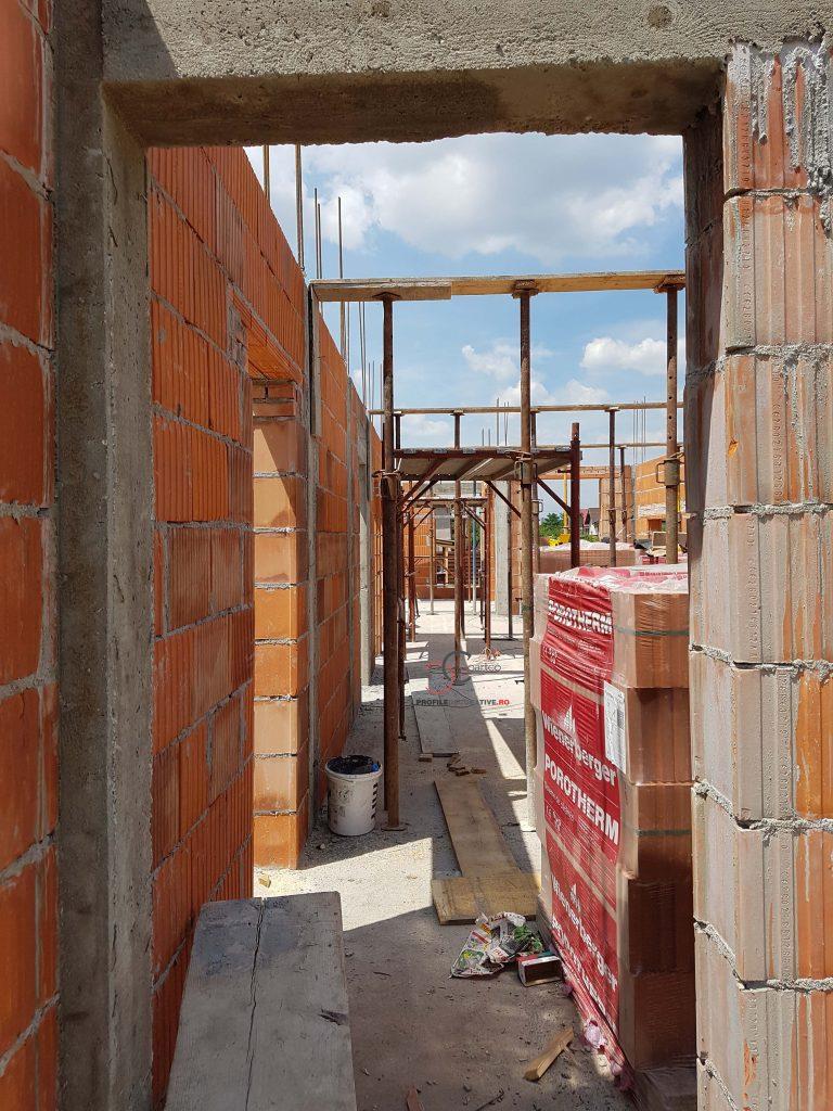 proiect casa pe teren ingust pret si firma de constructie