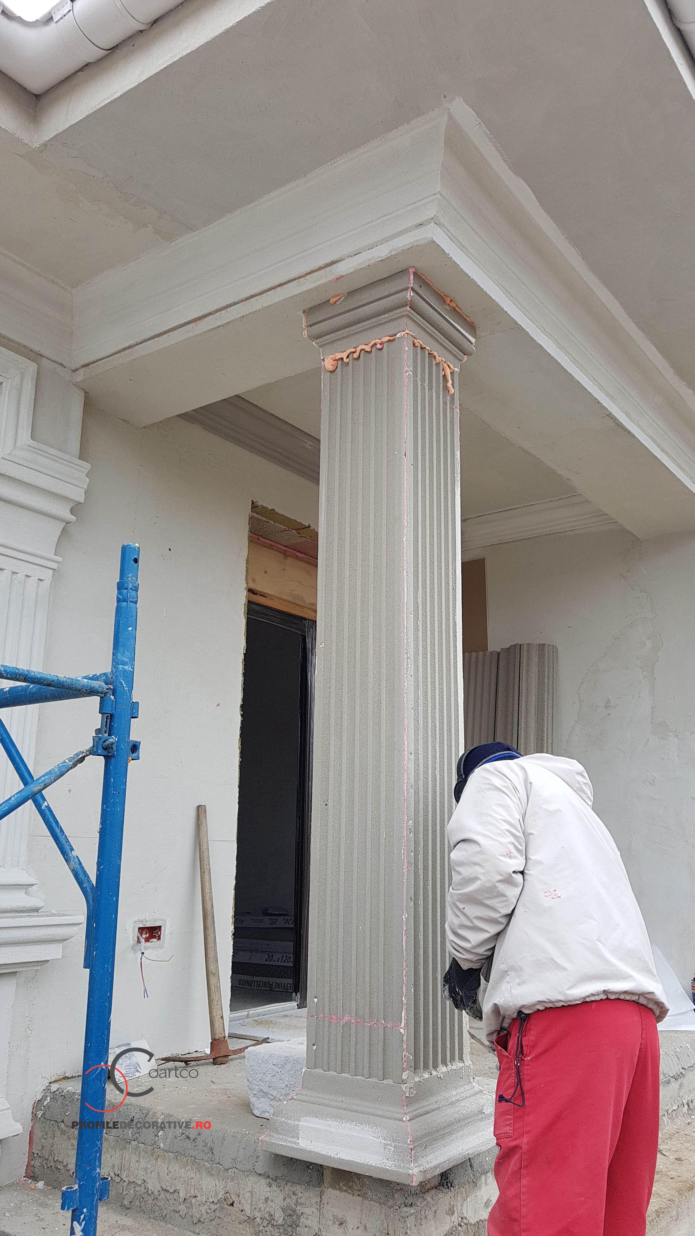 montaj coloana patrata din polistiren cu caneluri