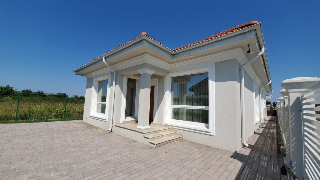 case moderne mici dar si asa nu exista proiecte case mici si ieftine fara etaj