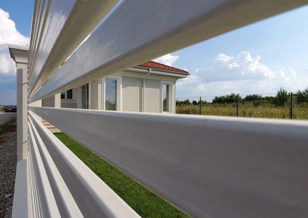 case mici moderne fara etaj