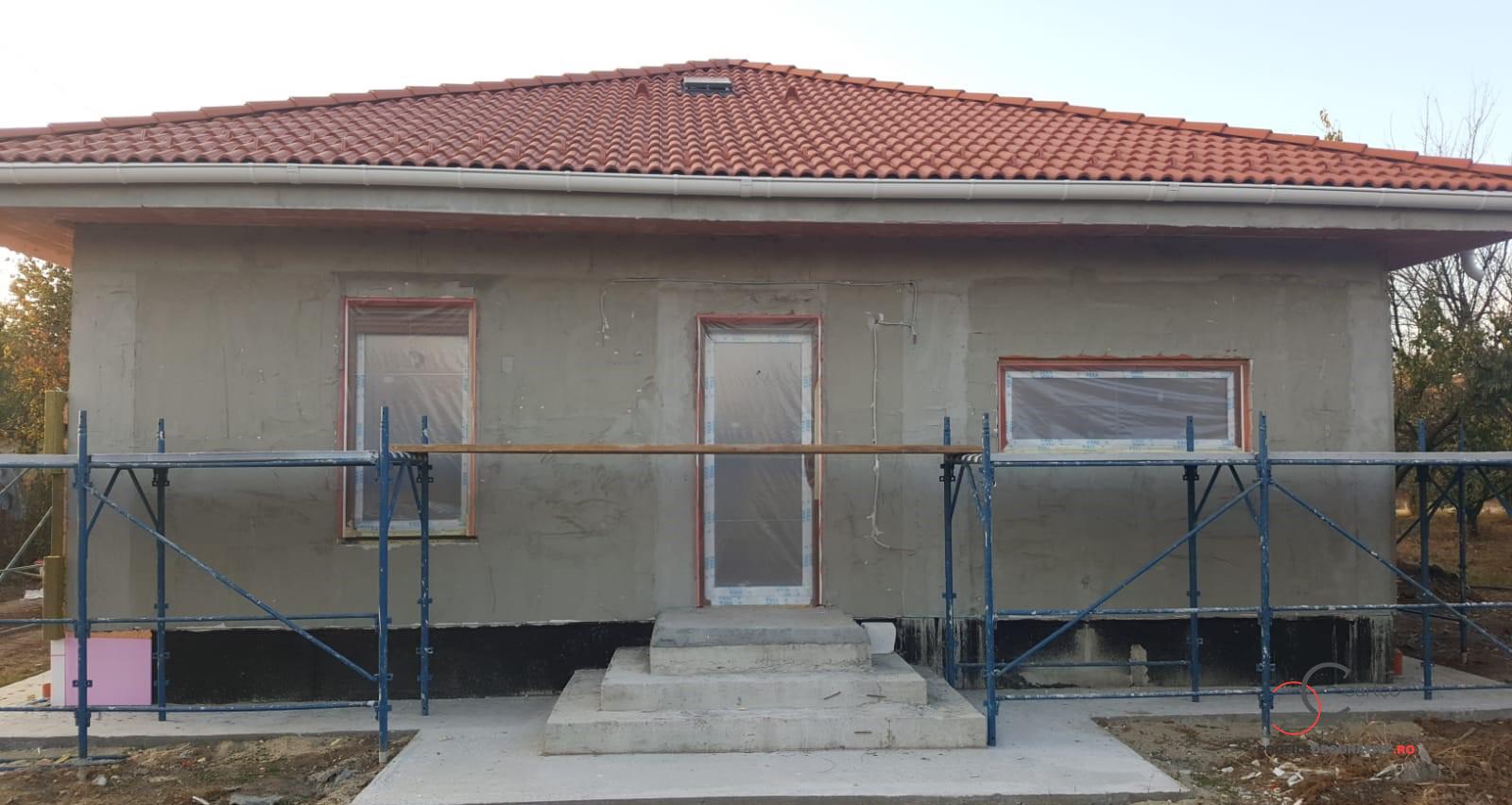 fatada casa cu schela