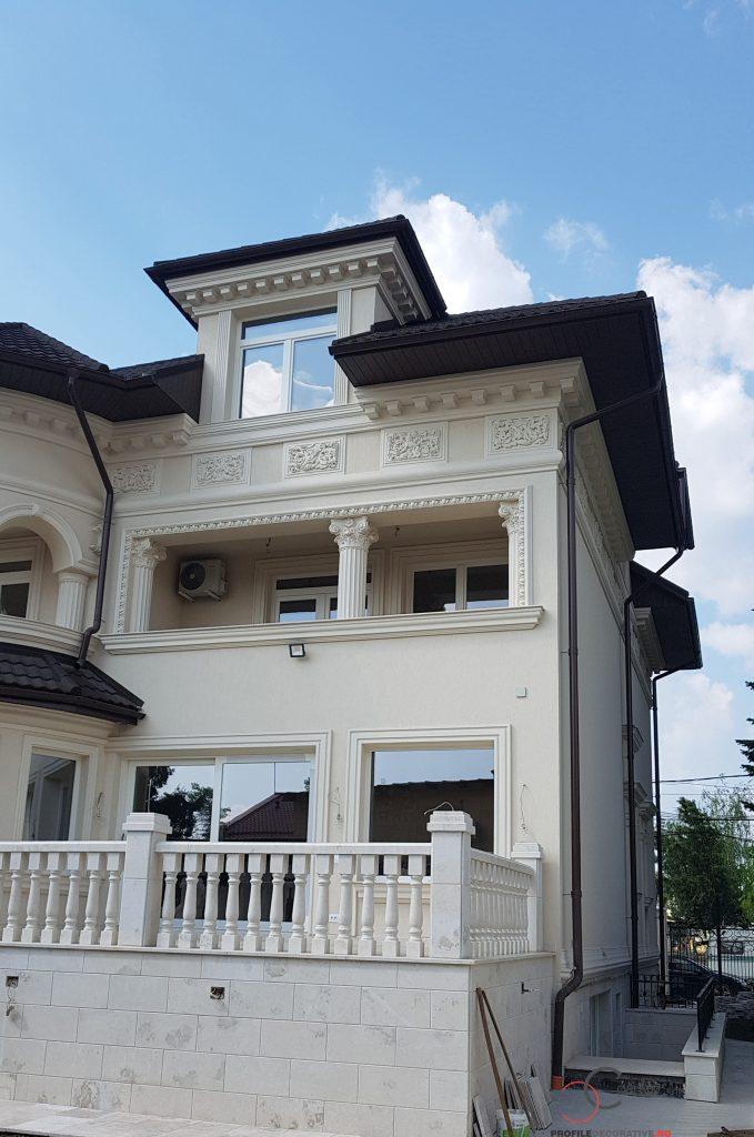 case cu profile decorative din polistiren pentru fatade case