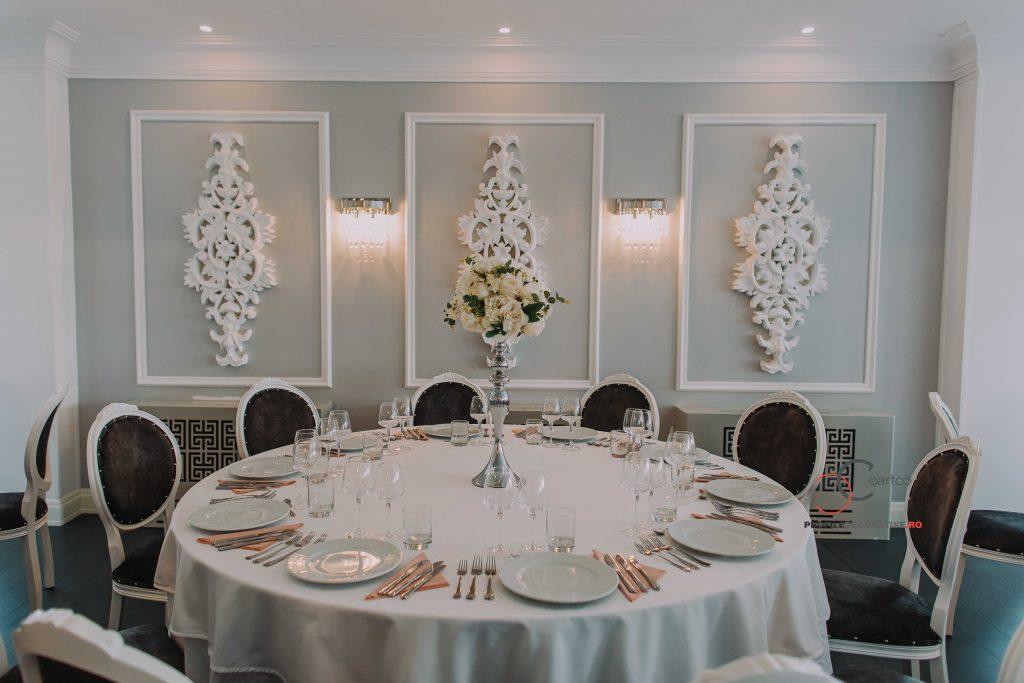 panouri florale, stucaturi pentru ornarea peretilor la interior a saloanelor de evenimente
